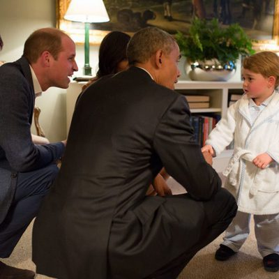 Barack y Michelle Obama conocen al Príncipe Jorge en Kensington Palace