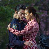 Irina Shayk seduce a un policía durante una sesión de fotos para Vogue en Nueva York