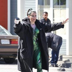Elizabeth Banks se divierte en el rodaje de la película 'Power Rangers'