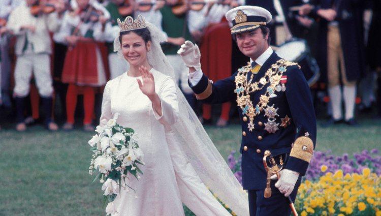 Carlos Gustavo y Silvia de Suecia en su boda