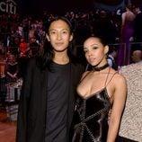 Alexander Wang y Tinashe en la fiesta organizada por la revista Time en Nueva York