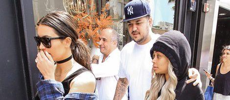 Blac Chyna, Kim y Rob Kardashian por las calles de Beverly Hills
