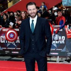 Chris Evans en la premiere de la película 'Capitán América: Civil War' en Londres