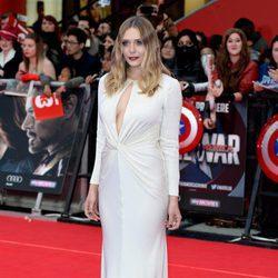 Elizabeth Olsen en la premiere de la película 'Capitán América: Civil War' en Londres