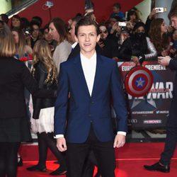 Tom Holland en la premiere de la película 'Capitán América: Civil War' en Londres