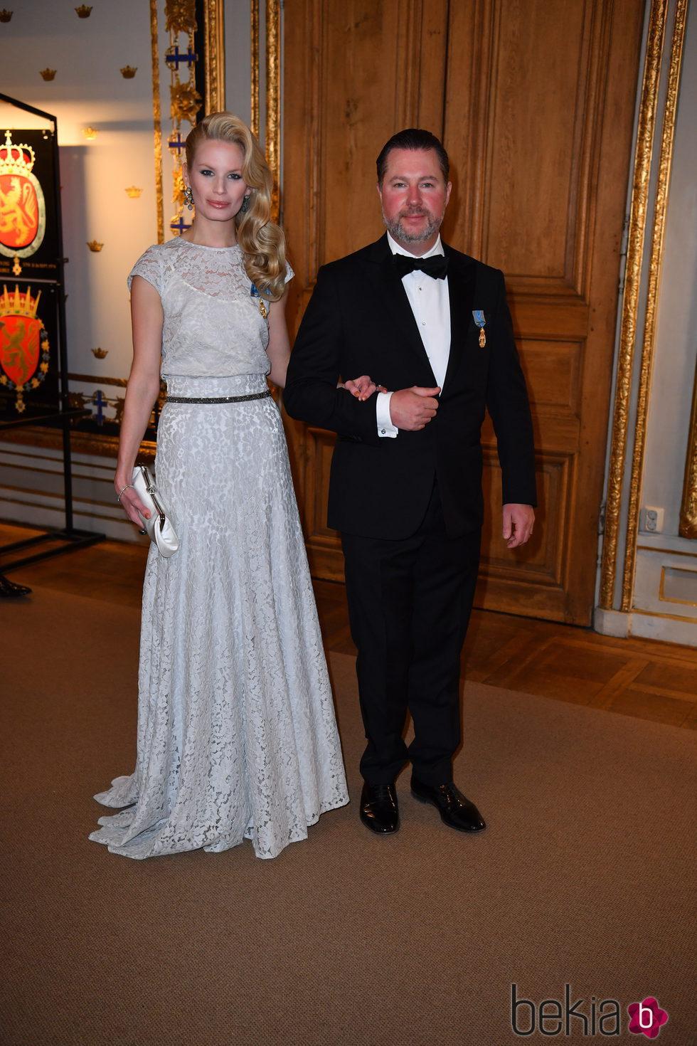 Vicky y Gustavo Magnuson en la cena de gala en el 70 cumpleaños del Rey Gustavo de Suecia
