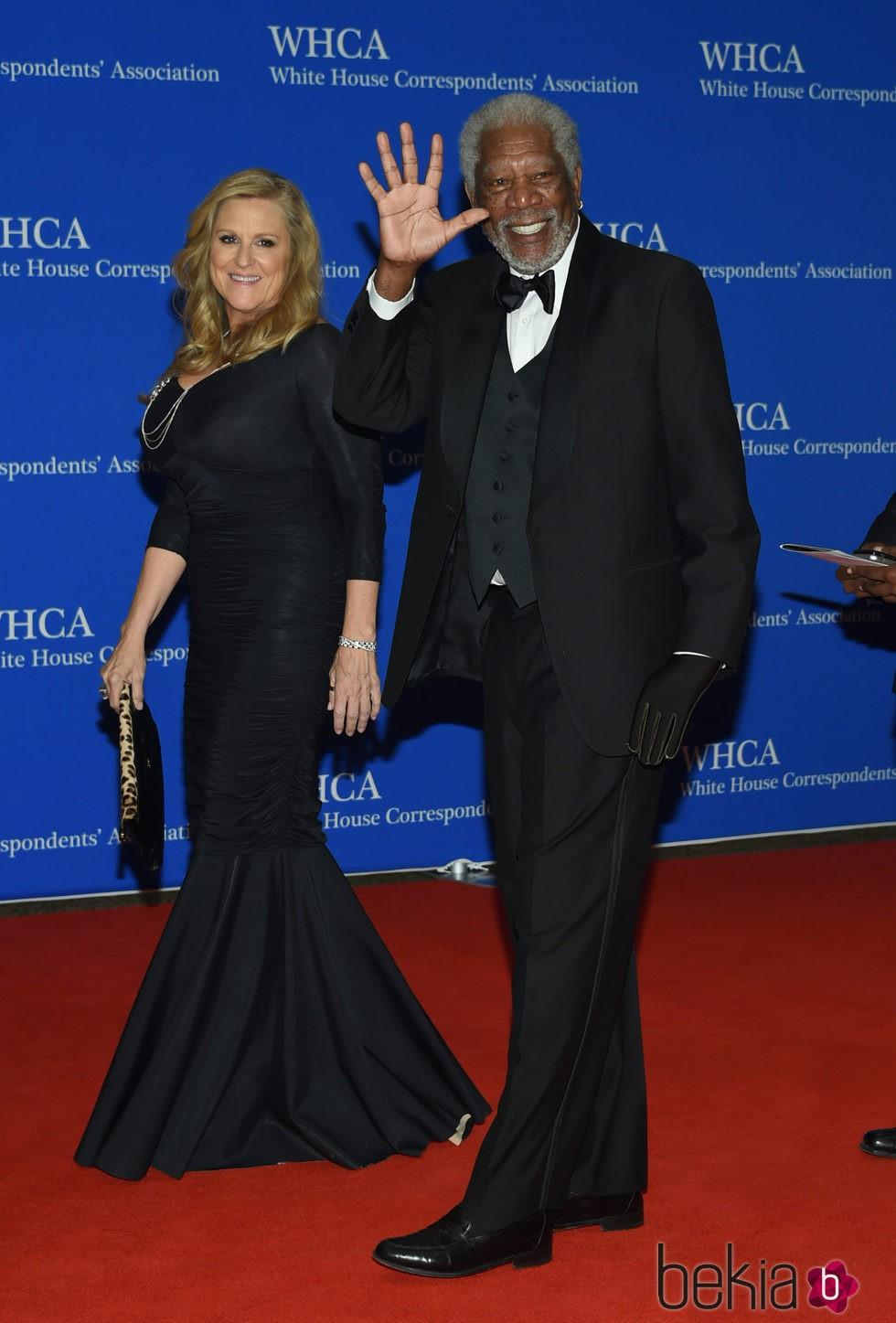 Lori McCreary y Morgan Freeman  en la Fiesta de Corresponsales 2016 en la Casa Blanca