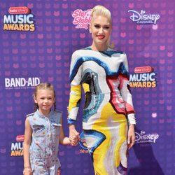 Gwen Stefani y su sobrina Stella en los Radio Disney Music Awards 2016