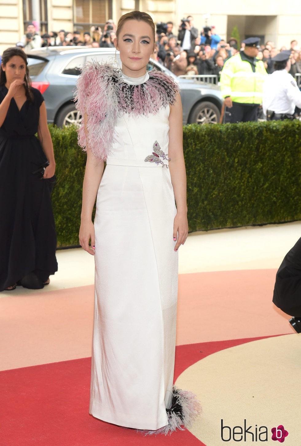 Saoirse Ronan en la Gala Met 2016