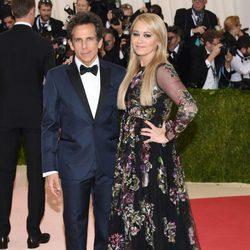 Ben Stiller y Christine Taylor en la Gala Met 2016