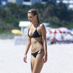 Lara Stone en bikini en una sesión de fotos en Miami