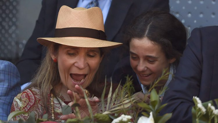 La Infanta Elena y Victoria de Marichalar, asombradas en el Madrid Open 2016