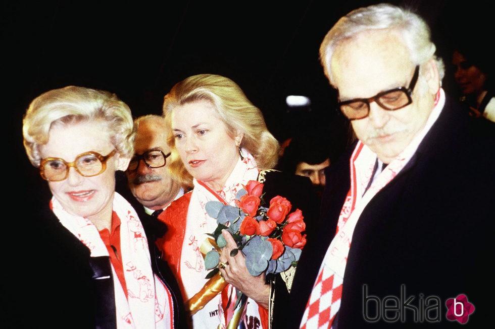 La Princesa Antoinette con Rainiero y Grace de Mónaco