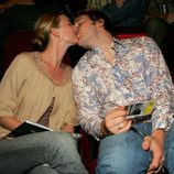 Emily VanCamp y Chris Pratt besándose