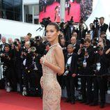 Bella Hadid en la apertura del Festival de Cannes 2016