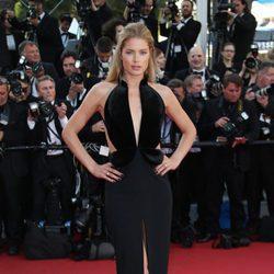 Doutzen Kroes en la apertura del Festival de Cannes 2016