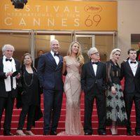 Woody Allen, Corey Stoll, Blake Lively, Kristen Stewart y Jesse Eisenberg en la apertura del Festival de Cannes 2016