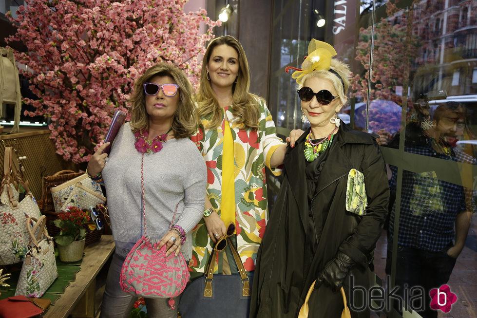 Terelu Campos, Carlota Corredera y Karmele Marchante en un evento de Salvador Bachiller