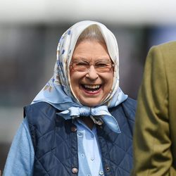 La Reina Isabel ríe divertida en el Royal Windsor Show