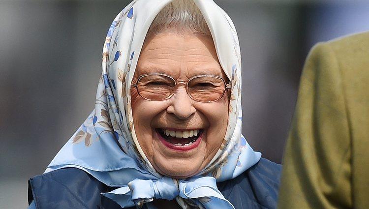 La Reina Isabel ríe divertida en el Royal Windsor Show