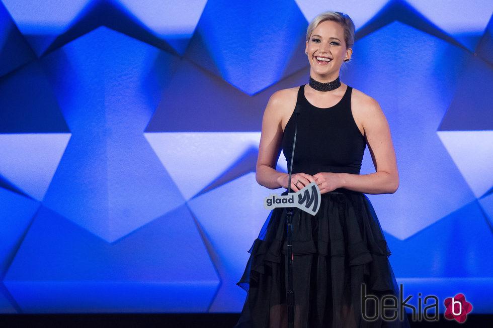 Jennifer Lawrence en GLAAD Media Awards 2016