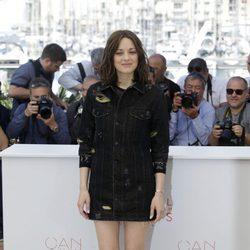 Marion Cotillard en el photocall de la película 'Mal De Pierres' en el festival de Cannes 2016