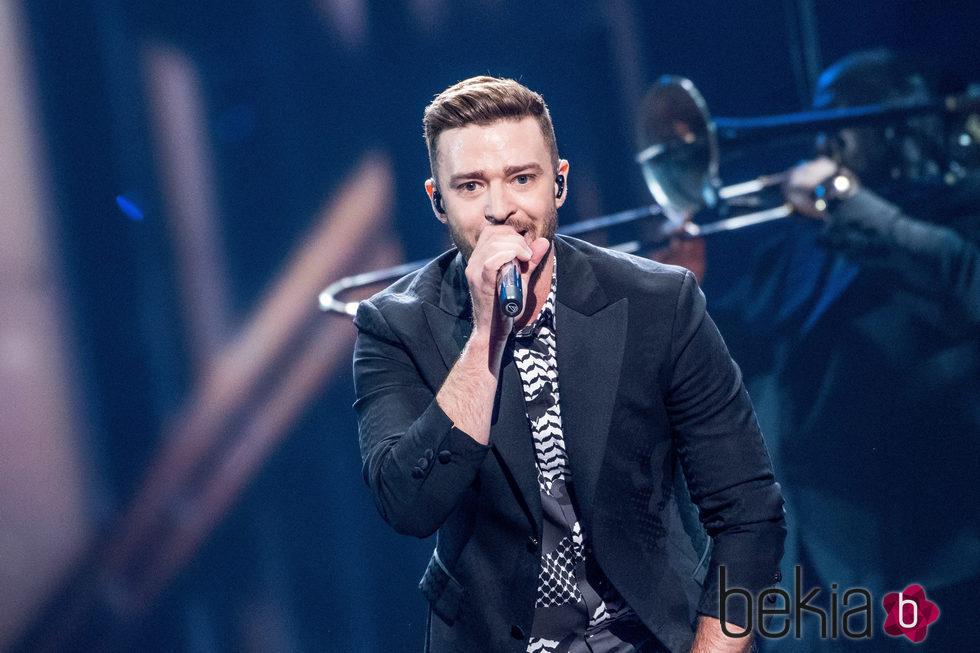 Justin Timberlake actuando en la final de Eurovisión 2016