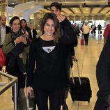 Barei en el aeropuerto de Madrid a su vuelta de Eurovisión 2016