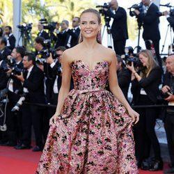 Natasha Poly en la alfombra roja de 'Julieta' en el Festival de Cannes 2016