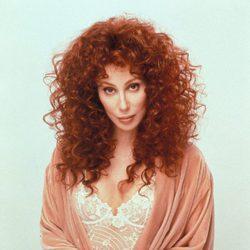 Cher con el pelo pelirrojo