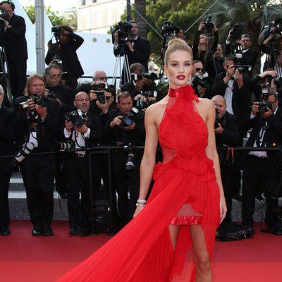 Rosie Huntington-Whiteley en la premiere 'The Unknown girl' en el Festival de Cannes 2016