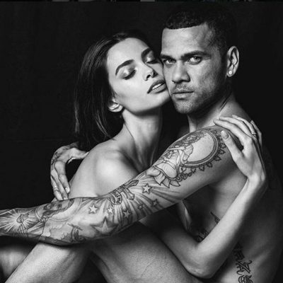 Dani Alves y Joana Sanz posan desnudos para celebrar su primer aniversario