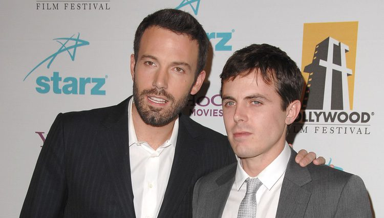 Ben y Casey Affleck en el Annual Hollywood Awards