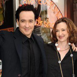 John y Joan Cusack en el paseo de la fama de Hollywood