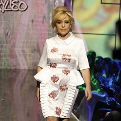 Lydia Lozano desfilando en la Sálvame Fashion Week