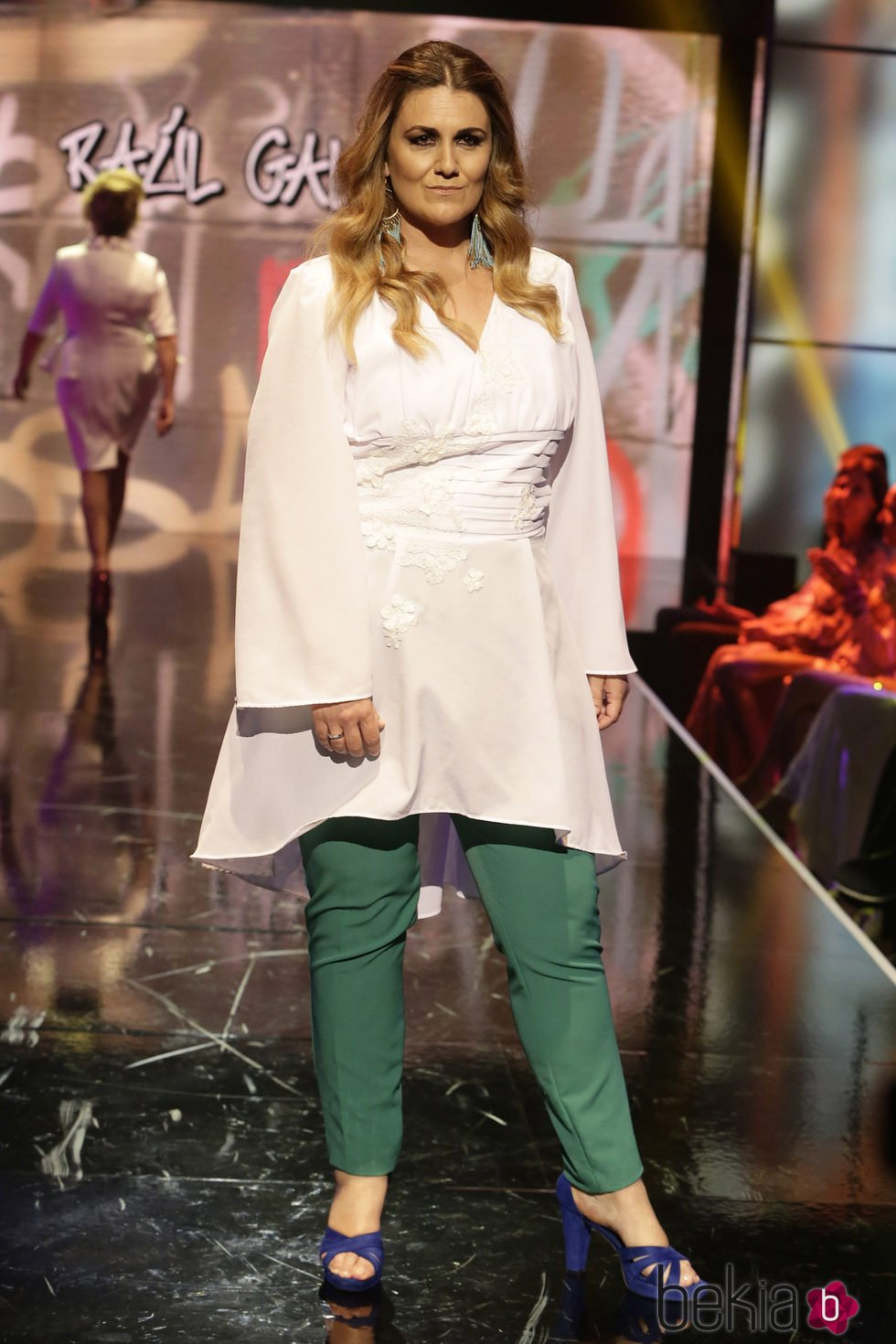 Carlota Corredera Desfilando En La S Lvame Fashion Week