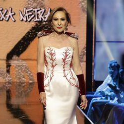 Rosa Benito desfilando en la Sálvame Fashion Week