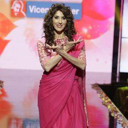 Paz Padilla con un look indio desfilando en la Sálvame Fashion Week 2016