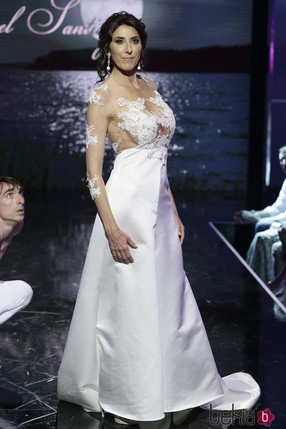 Moda fashion 2017 - Paz Padilla Desfilando Vestida De Novia En La S 225 Lvame