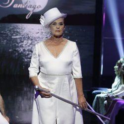 Chelo García Cortés desfilando vestida de novia en la Sálvame Fashion Week 2016