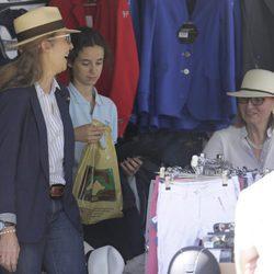 La Infanta Elena y Victoria de Marichalar haciendo compras en el CSI5 de Madrid 2016