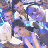 Ricky Martin y Jwan Yosef con David y Victoria Beckham en la boda de Eva Longoria y José Bastón