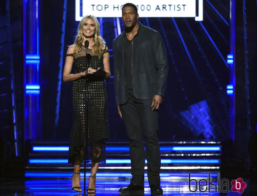 Heidi Klum y Michael Strahan en la gala de los Premios Billboard 2016