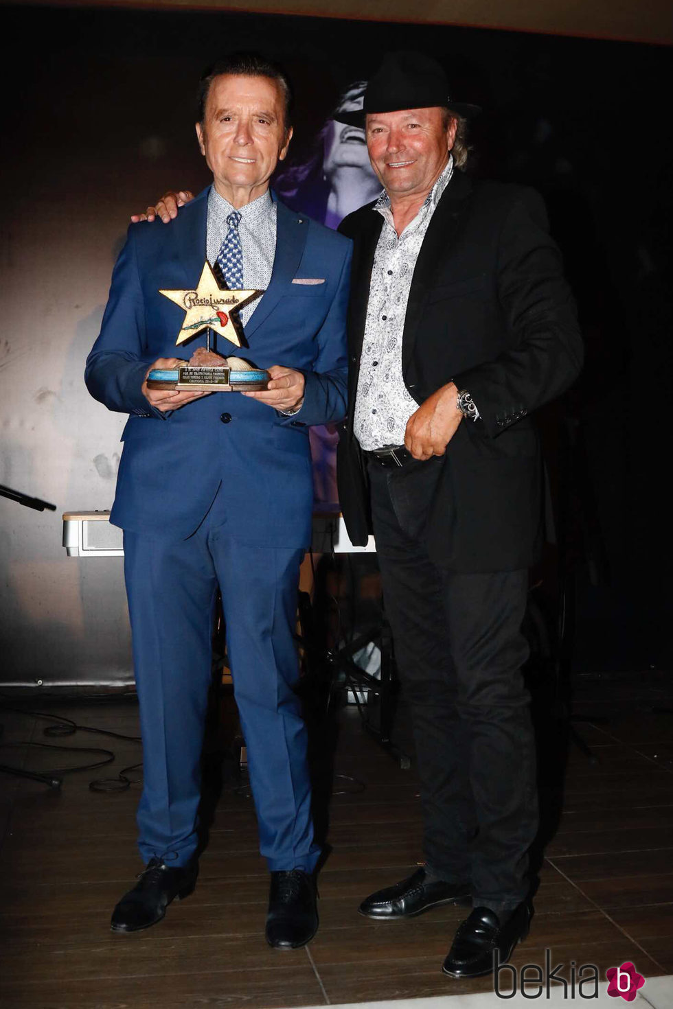 Amador Mohedano  y José Ortega Cano en los premios 'Estrella a la más grande' en Chipiona 2016