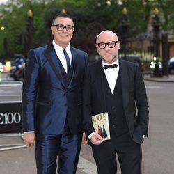 Domenico Dolce y Stefano Gabbana en la fiesta del 100 aniversario de Vogue en Londres