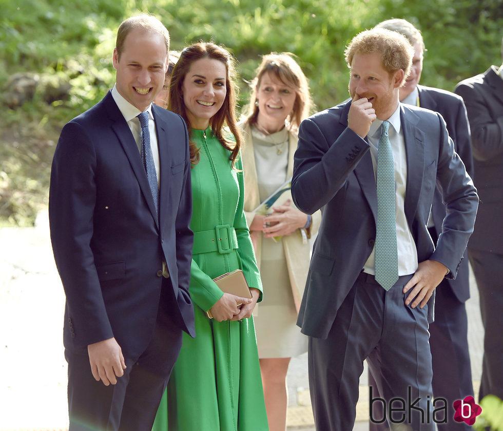 Los Duques de Cambridge y el Príncipe Harry en la Chelsea Flower Show 2016