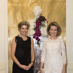 Máxima de Holanda y Matilde de Bélgica en una competición de piano en Bruselas