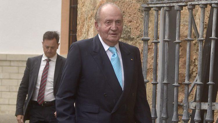 El Rey Juan Carlos I durante la boda de Alejandro Santo Domingo y Charlotte Wellesley