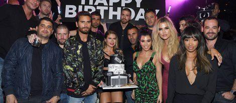 b3825ec06 Scott Disick celebra su cumpleaños en Las Vegas con Kourtney y Khloe  Kardashian