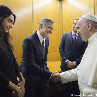 El Papa Francisco I recibe a George Clooney y a su mujer en Roma